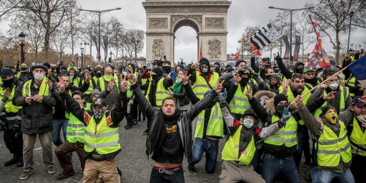 'Yellow Vests' Return to Paris Streets